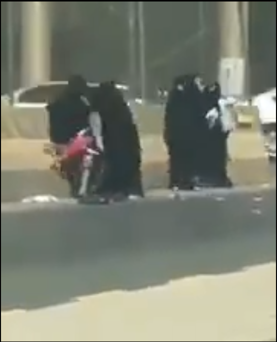 Muslim Women Fighting And Dropping Their Babies On Concrete